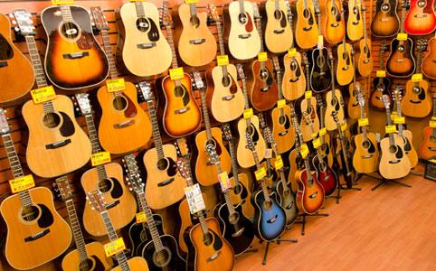 エレアコやクラシックギターも多数!