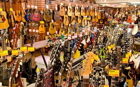 人気モデルから希少価値の高いモデルまで豊富な中古ギター!